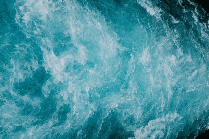 aigue marine lithothérapie pierres cristaux communication chakra gorge